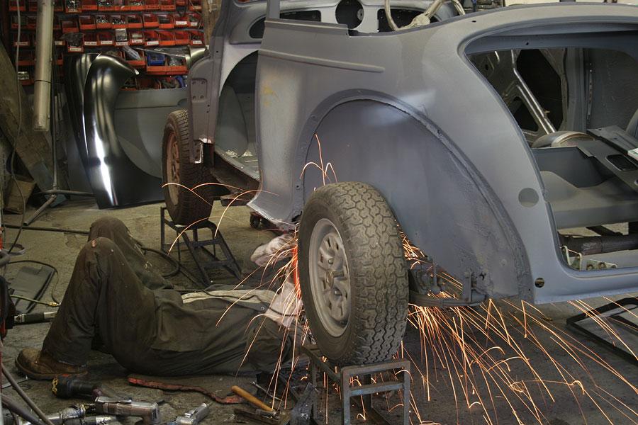 Morris Minor Workshop Bodyshop For Accident Repairs